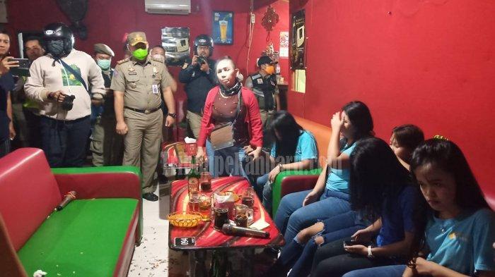 10 Wanita Cantik Pelayan Cafe Terciduk Razia Satpol PP Pekanbaru karena Langgar Social Distancing
