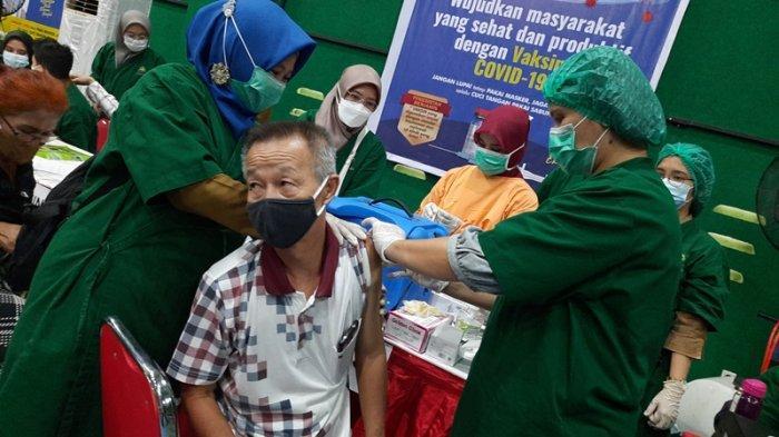 1.039 Lansia Dapat Vaksin dalam Dua Hari Vaksinasi Covid-19 Massal di IKPTB Pekanbaru