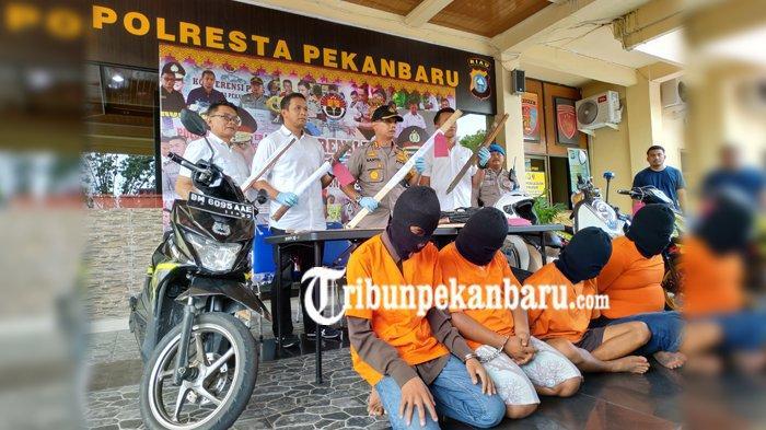 3 Polisi DITUSUK di Pekanbaru Riau, 4 Pelaku Anggota GENG MOTOR, Diduga Ada Polisi Berpakaian Preman