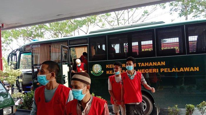 Didominasi Napi Narkotika, Kejari Pelalawan Pindahkan 40 Tahanan ke Rutan Sialang Bungkuk