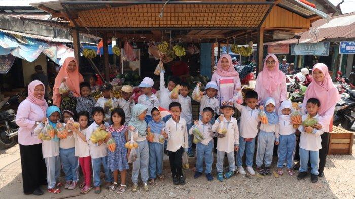 Ajarkan Penggunaan Uang pada Anak, Abidari Islamic School Fieldtrip ke Pasar