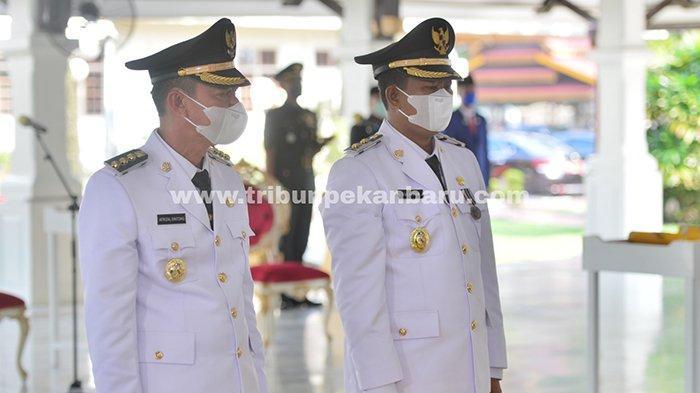 Foto : Dilantik Gubernur Riau, Afrizal Sintong dan Sulaiman Resmi Pimpin Rohil - afrizal-sintong-dan-sulaiman-resmi-pimpin-rohil.jpg