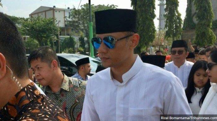 AHY Bopong Jenazah Sang Eyang, Ibunda Presiden ke-6 RI, SBY Dikebumikan di TPU Tanah Kusir