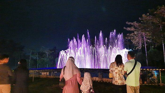 Indahnya Air Mancur Menari Bisa Dinikmati di Alam Mayang Pekanbaru, Segini Harga Tiketnya