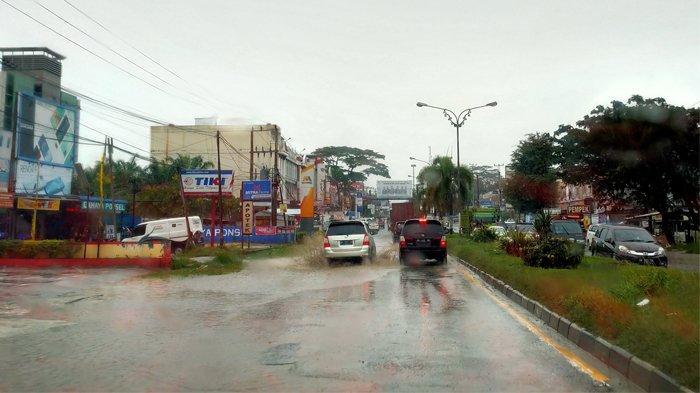 Hari Ini Hujan Deras Diprediksi Kembali Terjadi, Warga Pelalawan Diminta Tetap Waspada