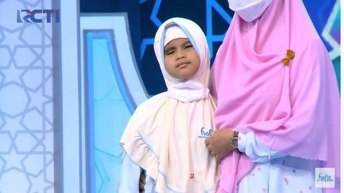 Penuh Haru, Aira Hafizah Tunanetra Asal Karawang Cari Syekh Ali Jaber di Hafiz Indonesia 2021