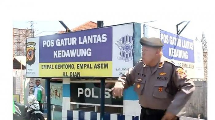 AKP Tutu Hibur Pemudik yang Lewat Cirebon Sambil Joget, Videonya Viral
