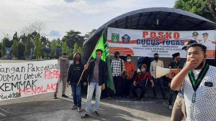 BREAKING NEWS: Aksi Penolakan Berlangsung di Hari Pertama Penerapan PSBB Dumai, Warga Turun ke Jalan