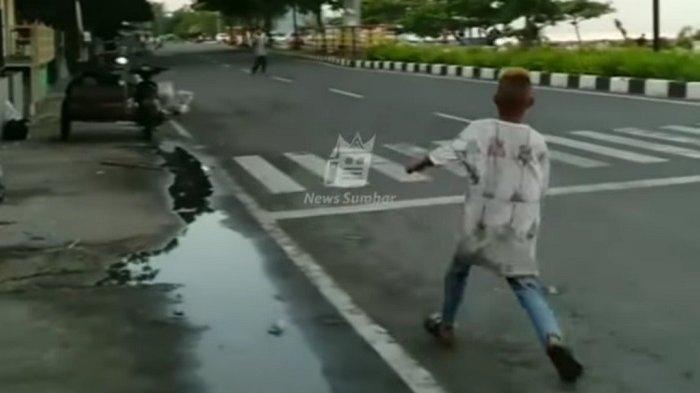 Dua Kelompok Remaja Saling Lempar Batu di Kota Padang, Video Tawuran Beredar di Medsos
