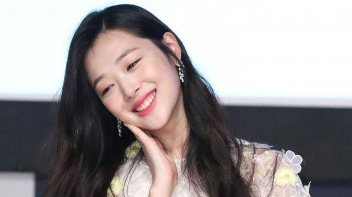 aktris-cantik-korea-sulli-fx.jpg