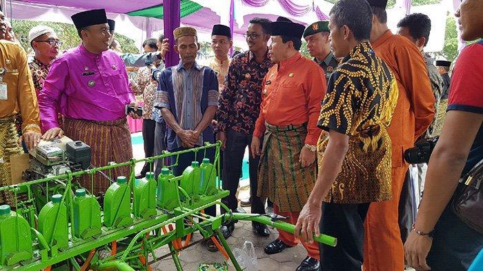 Tabur 1 Kg Benih Dalam 30 Menit, Mesin Seeder Inovasi Koptan di Rohul, Riau Melaju ke TTG Nasional