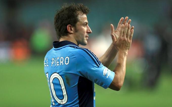 Serupa tapi Tak Sama, Inilah Gol Melengkung ala Del Piero dan Insigne di Timnas Italia
