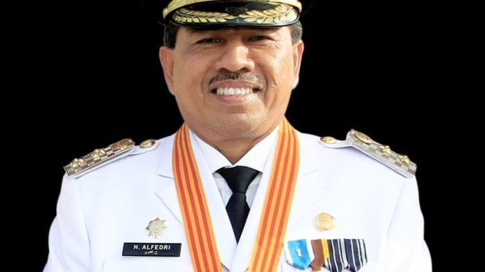 Bupati Siak Hadir Rapat Terbatas dengan Presiden Jokowi di Pekanbaru Riau