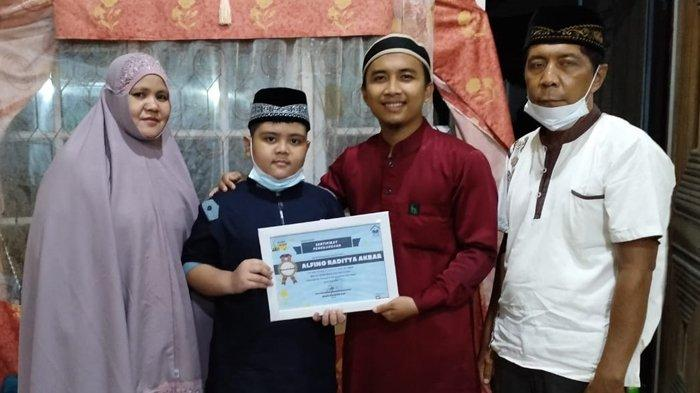 Alfino, Bocah 10 Tahun di Pekanbaru Ini Bikin Jiwa Orang Kaya Terketuk, Ini Sebabnya