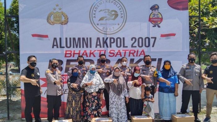 Alumni Akpol 2007 di Riau Salurkan Ratusan Paket Sembako dan Gelar Vaksinasi
