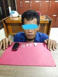 Berlagak Bingung Didatangi Polisi, Pria 34 Tahun Kedapatan Simpan Sabu-sabu, Tes Urine Positif