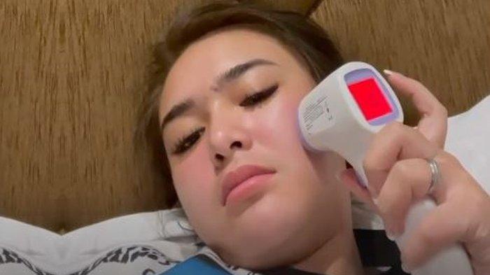 Amanda Manopo Pemeran Andin Ikatan Cinta Tumbang, Tidur Diinfus, Suhu Tubuh Amanda Manopo 38 Derajat