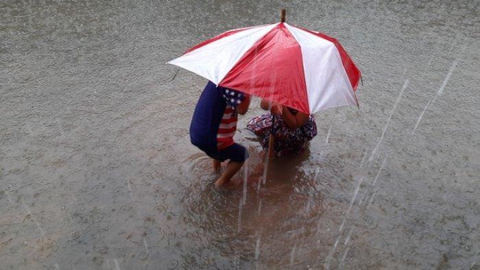 Info Cuaca Riau, Hujan Deras di Sebagian Pekanbaru Diperkirakan Berlangsung Hingga Pukul 09.00 WIB