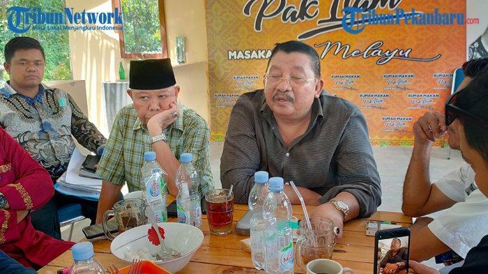 Anak Bupati Didukung Ustadz Abdul Somad atau UAS, Zukri-Nasarudin dan Husni-Edy Sabli Klaim Menang