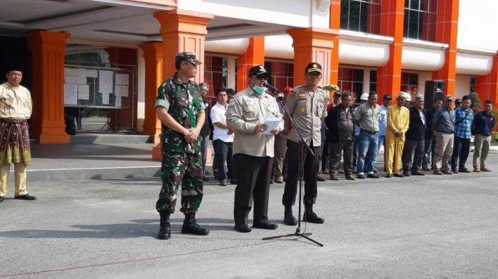 Ancam Pecat Kades dan Camat di Inhu Riau Jika Tak Ada di Wilayahnya, Bupati Yopi: Kita Tak Main-main