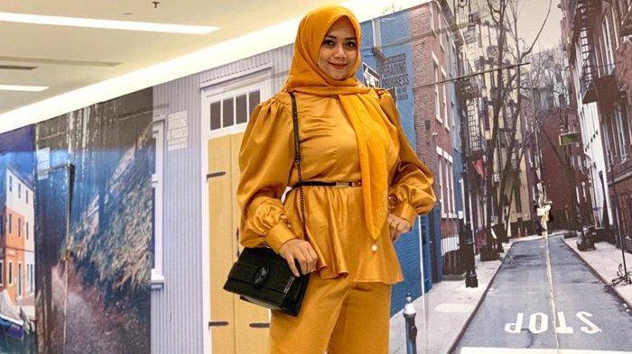 Dosen Cantik di Riau Ini Ternyata Designer Kondang, Ibu Muda Ini Calon Doktor Politik