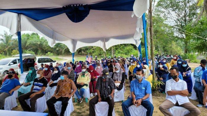 Anggota DPRD Pekanbaru Aidil Amri Langsung Beri Bantuan Kepada Warga Saat Reses di Okura