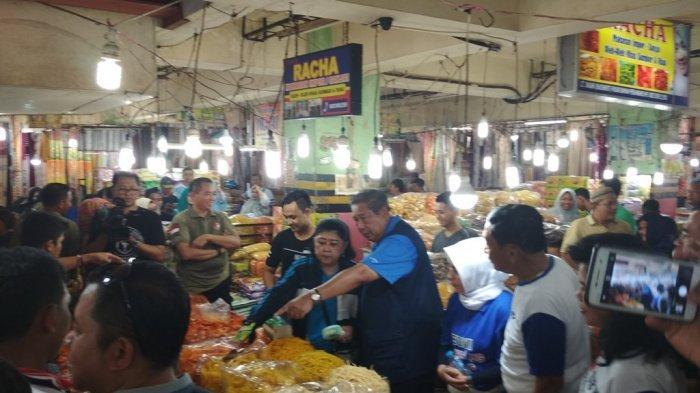 Ani Yudhoyono Sempat Cicip, Inilah Oleh-oleh yang Dibeli SBYdi Pasar Bawah Pekanbaru