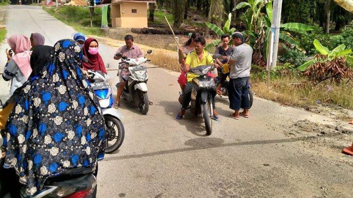 Antisipasi Covid-19 Masuk Kampung Empang Baru, Karang Taruna Tingkatkan Disiplin Keluar Masuk