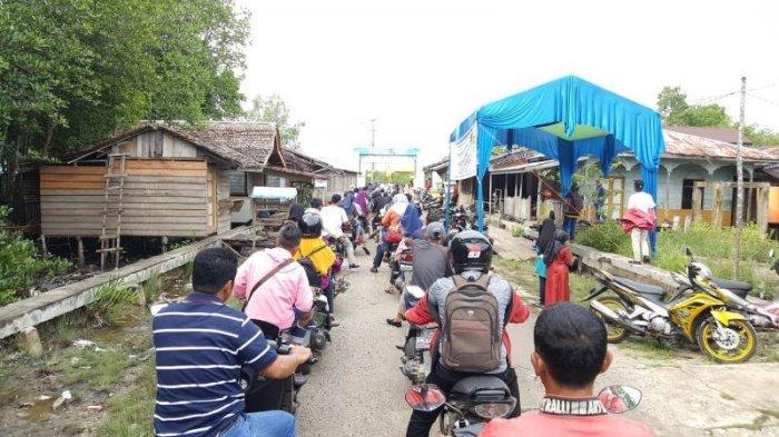 Arus Balik, Antrian Sepanajng 1 Km Terjadi di Penyeberangan Desa Semukut, Pulau Merbau Meranti