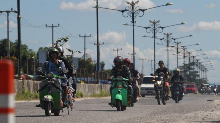 5 Kebiasaan Unik Pemudik di Indonesia, dari Tas Kardus Isi Ayam Hingga Naik Motor Jarak Jauh