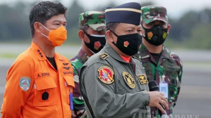 Kisah Asops KSAU Marsda TNI Henri Alfiandi Pimpin Pencarian Korban Sriwijaya Air SJ-182 dari Udara