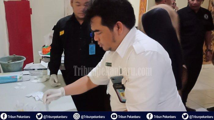 Bentuk Lima Tim Tangani 1.559 ASN, Tes Urine ASN Pemkab Pelalawan Riau Digelar Serentak