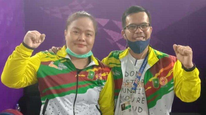 Atlet Angkat Besi Riau Maharani Raih Emas di PON 2021 Papua