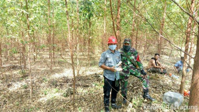 Gunakan Drone untuk Memantau, Kolaborasi Babinsa dan RPK Dalam Pencegahan Karhutla Desa Batu Gajah