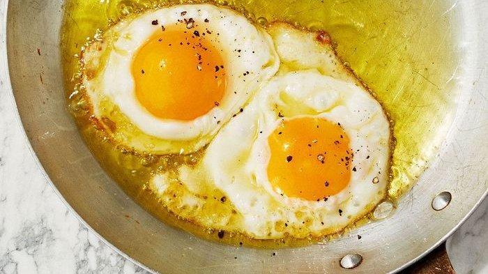 Masak Telur Dengan Wajan Atau Panci Aluminium Ternyata Berbahaya, Risikonya Tak Main-main