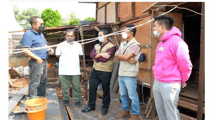 Kesal Rumah yang Direnovasi Sejak 8 Bulan Lalu Tak Kunjung Kelar, Baim Wong Pecat 39 Pekerjanya