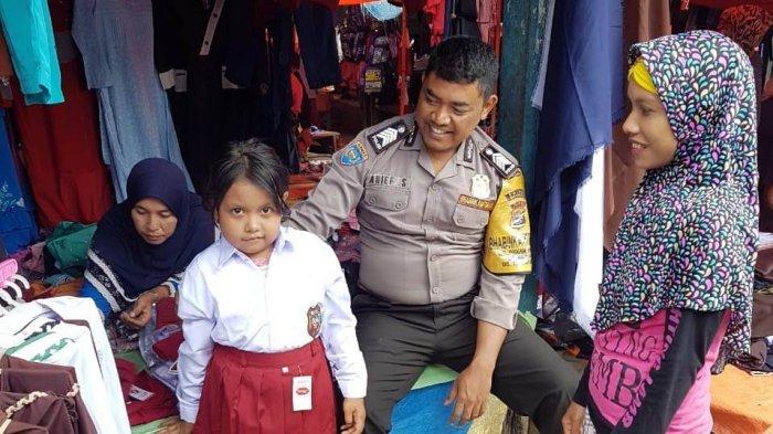Sempat Putus Asa, Julizah Senang Bisa Sekolah Berkat Bantuan yang Dikumpulkan Pak Polisi