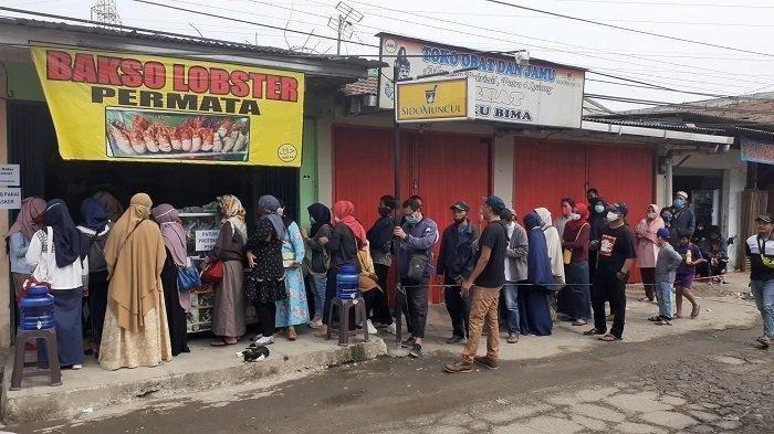 VIRAL Bakso Lobster di Bekasi: Rela Antre 5 Jam hingga Bakso Lobster Dituduh Palsu