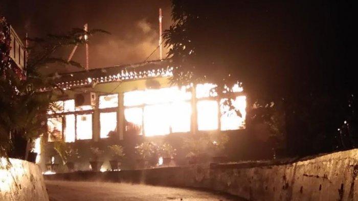 Bangunan SMPN 7 Pekanbaru Terbakar