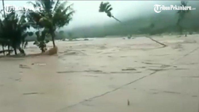 Peristiwa banjir bandang menerjang kawasan di Kabupaten Bima, Nusa Tenggara Barat (NTB).