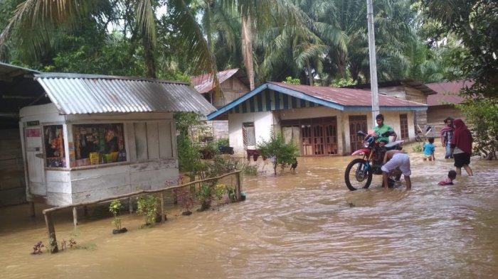 Kepala Pelaksana BPBD Rohul Sebut Banjir di RBS Sudah Mulai Surut