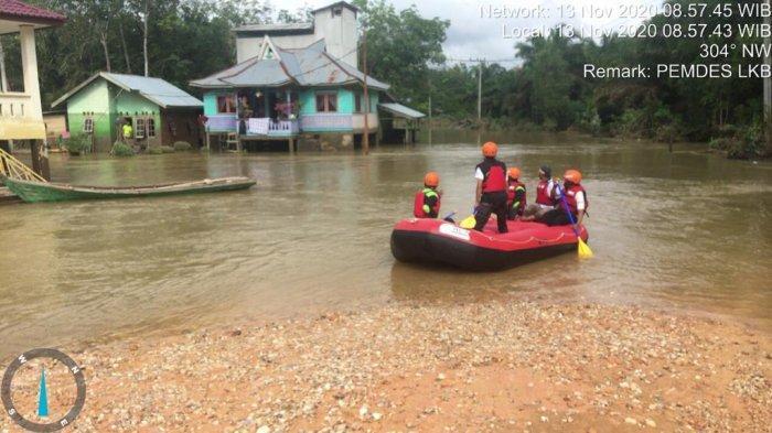 Kondisi terkini banjir di Desa Lubuk Kembang Bunga dan Desa Air Hitam pada Jumat (13/11/2020).