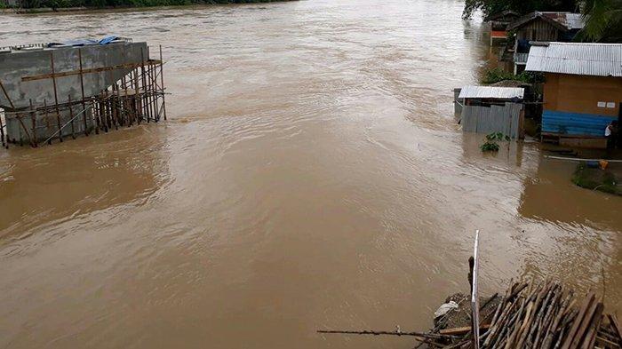 Banjir Besar Ancam Wilayah Hilir Kuansing, Musim Hujan di Riau Debit Air Tinggi Hulu Sungai Kuantan