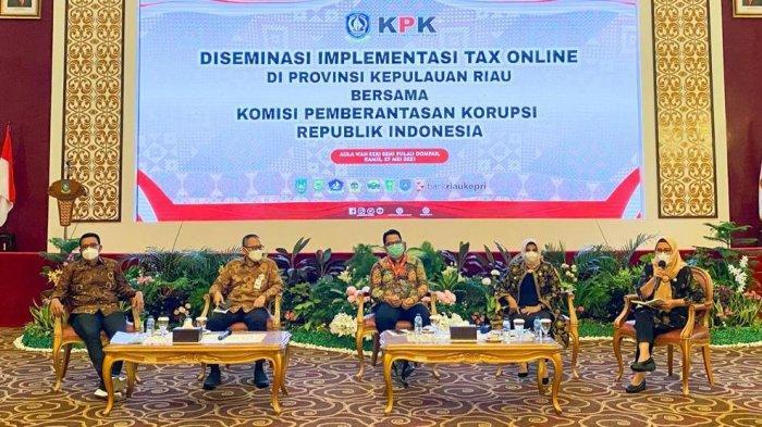 Bank Riau Kepri Berikan Dukungan Penggunaan Alat Perekam Data Transaksi Pajak Online Wilayah Kepri