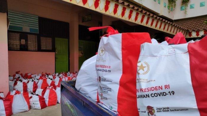 MERASA Terhina Disumbangi Beras 3 Sendok dan Telur Puyuh 2 Butir, Wakil Rakyat Banting Paket Sembako