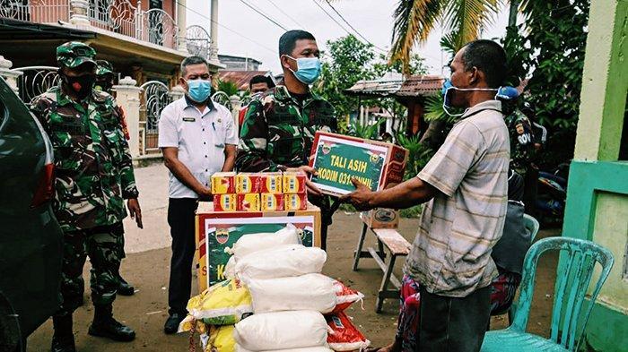 Tak Kuasa Menahan Tangis Haru, Dandim 0314/Inhil Bantu Kontrakan dan Sembako untuk Korban Kebakaran