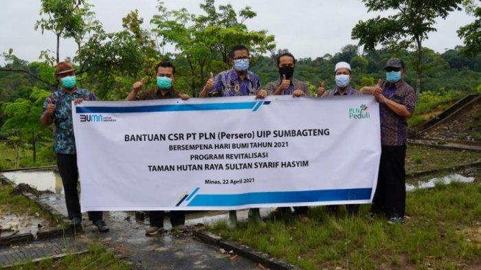 Peringati Hari Bumi, PLN Sinergi dengan DLHK Riau Bantun Revitalisasi Tahura SSH