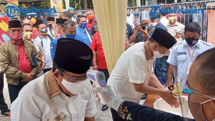 Bapaslon Petahana Sukiman-Indra Gunawan Gelar Deklarasi sebelum Daftar ke KPU: Saya Bersemangat