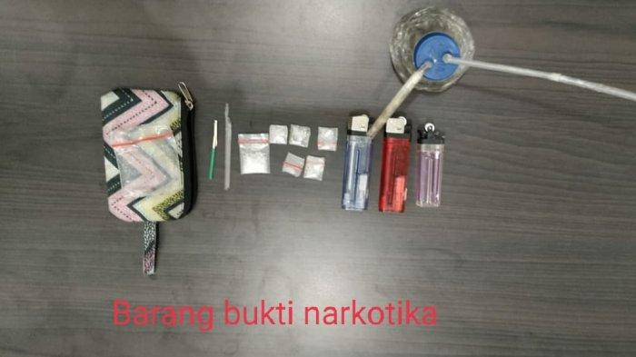 Hayo Ngapain? Di Kamar Berdinding Bambu 1 Wanita dan 2 Pria Kepergok Polisi Eh yang Laki-laki Kabur