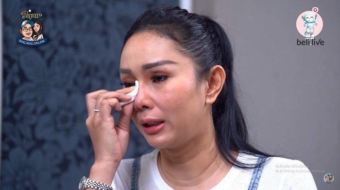 Kalina Oktarani menangis menceritakan nasib rumah tangganya dengan Vicky Prasetyo yang diujung tanduk.